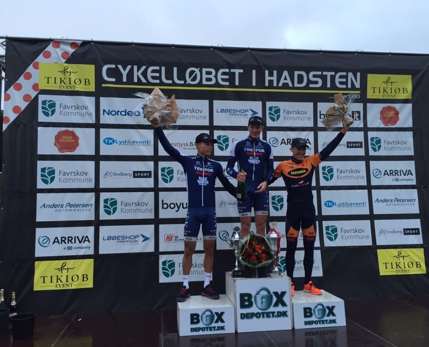 Vinder Søren Kragh Andersen foran Patrick Clausen og Jonas Aaen